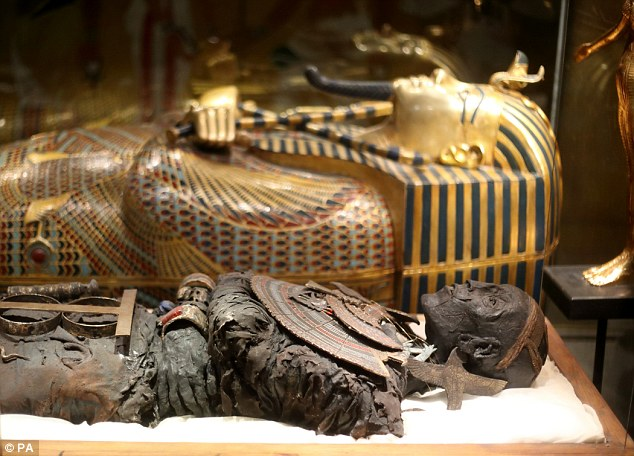 Tutankhamen exhibition in London